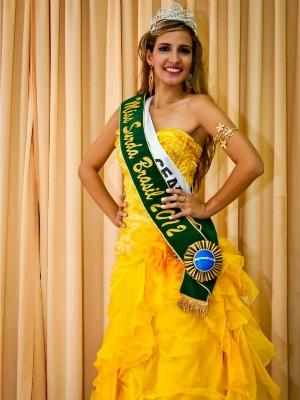 Bruna disputou o título com outras 13 candidatas de outros estados (Foto: Julio Caesar/ Miss Surda Brasil)
