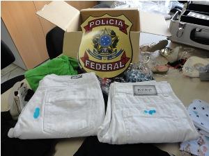 calça engomada com cocaína (Foto: Divulgação/Polícia Federal)