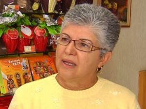 Silvia explica que o chocolate amargo é o mais saudável.  (Foto: reprodução/TV Tem)