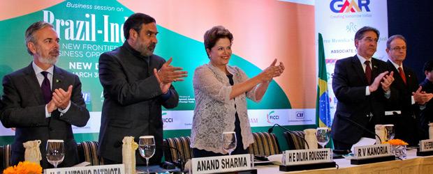Presidente Dilma Rousseff em seminário que reuniu empresários brasileiros e indianos em Nova Déli, na Índia (Foto: Roberto Stuckert Filho / Presidência)