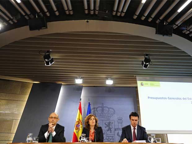 Ministros espanhóis apresentam orçamento de 2012 (Foto: AFP)