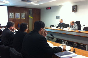 Reunião de comissão de juristas no Senado (Foto: Natalia Godoy / G1)