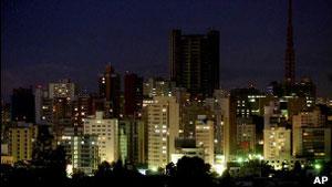 São Paulo à noite (Foto: AP)