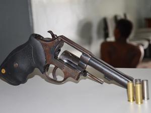 Adolescente é detido por matar jovem na Paraíba (Foto: Walter Paparazzo/G1)