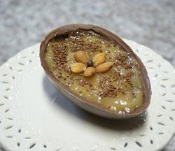 Ovo combina chocolate ao leite com sabor regional (Foto: Tiago Melo/G1)
