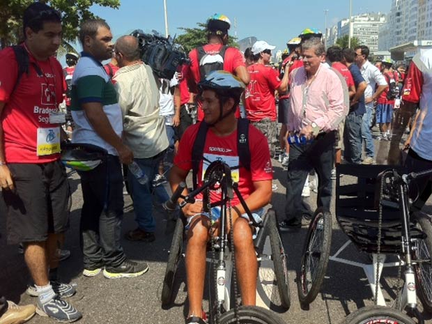 Clodoaldo Silva, atleta paraolímpico, se prepara para a largada. (Foto: Alba Valéria Mendonça/G1)