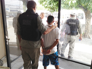 Homem foi detido por suspeita de estuprar mulher (Foto: Walter Paparazzo/G1)