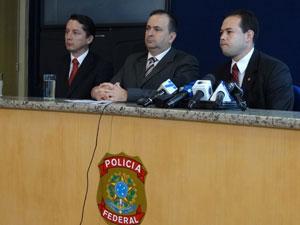 Polícia Federal prende enolvidos em comércio ilegal de botox (Foto: Luna Markman/G1 PE)