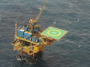 furo no oleoduto que leva óleo da plataforma Atum 2 para a Plataforma Xaréu 3, no litoral de Paracurux fez vazar 15,6 litros de óleo (Foto: Thiago Gaspar/Agência Diário)