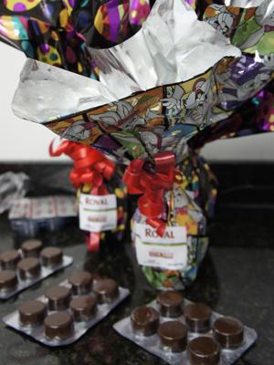 Ovos de Páscoa e chocolates em cartelas indicados para alérgicos  (Foto: Inaê Teles/G1)