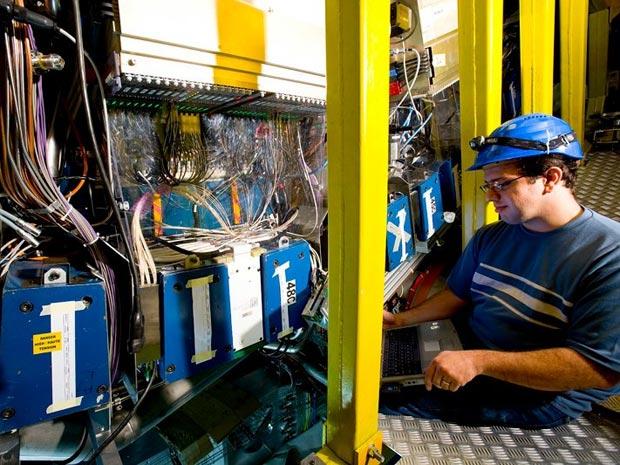 Denis Damazio trabalhou na instalação do LHC (Foto: Arquivo pessoal)