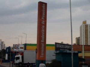 Movimentação no terminal rodoviário é de 30 a 40% maior antes da Páscoa (Foto: Eduardo Guidini/G1)