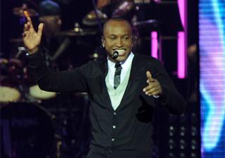 Thiaguinho canta durante gravação do DVD 'Ousadia e alegria' em São Paulo (Foto: Flavio Moraes/G1)