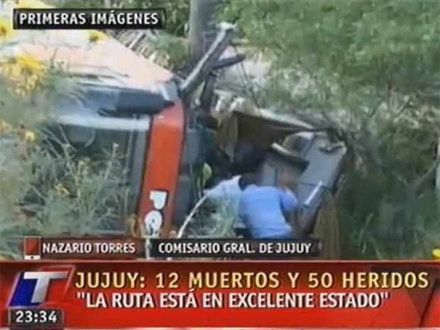 Acidente deixou 12 mortos e cerca de 50 feridos (Foto: Reprodução)