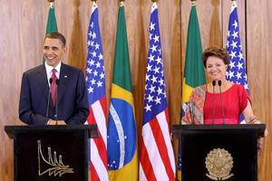 Dilma e Obama em declaração à imprensa durante a visita do presidente norte-americano ao Brasil em março de 2011 (Foto: Roberto Stuckert Filho / Divulgação / PR)