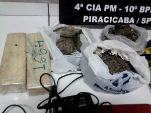 Droga apreendida pela Polícia Militar em Piracicaba (Foto: Valter Martins/Tv Opinião )