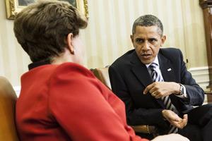 Obama e Dilma em reunião bilateral em Washington (Foto: Brendan Smialowski / AFP Photo)