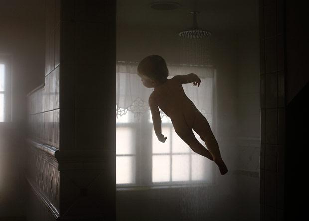 Fotógrafa americana mostra 'voos' do filho (Foto: Rachel Hulin)