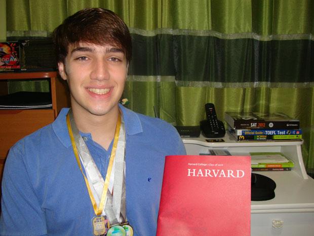 João Henrique Vogel, de 18 anos, vai deixar a Zona Oeste do Rio de Janeiro para estudar em Harvard (Foto: Arquivo pessoal)