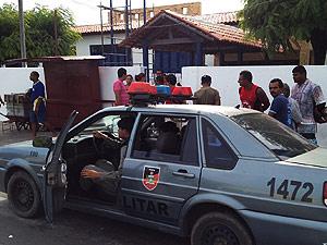 Adolescente entra atirando em escola pública na Paraíba, diz polícia (Foto: Walter Paparazzo/G1 PB)