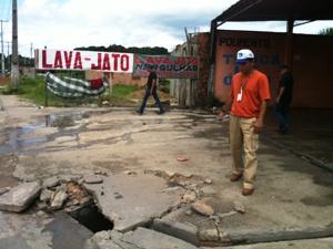 Lava-jato foi interditado por várias irregularidades (Foto: Carlos Eduardo Matos/G1 AM)