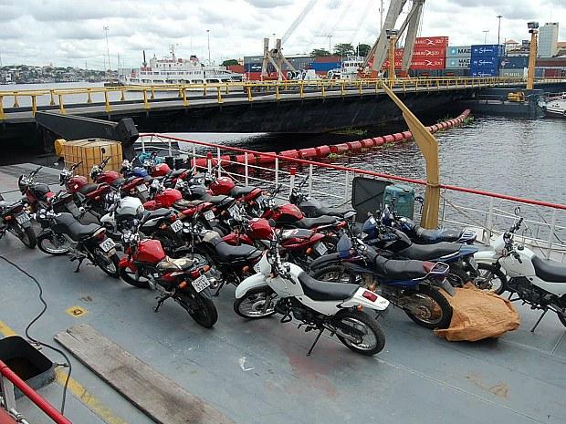 Dezenove motos roubadas foram apreendidas durante operação (Foto: Divulgação/PC AM)