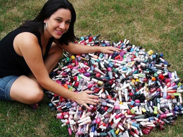 Mulher coleciona mais de 2.000 esmaltes em Itapetininga, SP (Foto: Arquivo pessoal/ Divulgação)