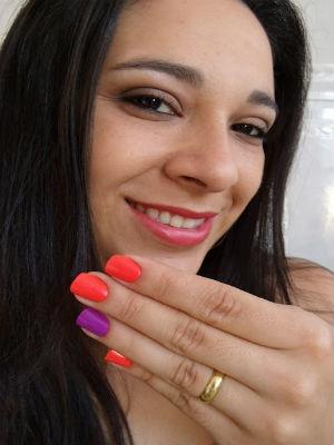 Mulher coleciona mais de 2.000 esmaltes em Itapetininga (Foto: Arquivo pessoal/ Divulgação)