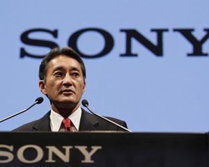 Novo presidente da Sony, Kazuo Hirai, participa de entrevista coletiva na sede da empresa em Tóquio, após anúncio das demissões (Foto: Yuriko Nakao/Reuters)