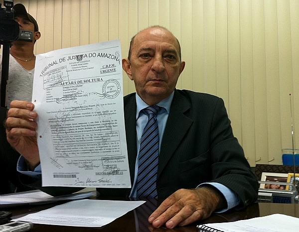 'Falsa assinatura é grotesca', disse presidente em exercício do Tribunal de Justiça do Amazonas (Foto: Marina Souza/G1)