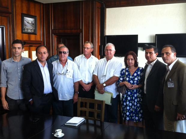 Encontro entre cúpula da Segurança e moradores de Niterói ocorreu na secretaria (Foto: Rodrigo Vianna/G1)