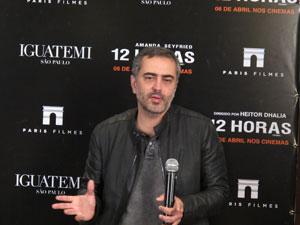 O diretor brasileiro Heitor Dhalia durante coletiva de divulgação de '12 horas', sua estreia em Hollywood (Foto: Cauê Muraro/G1)