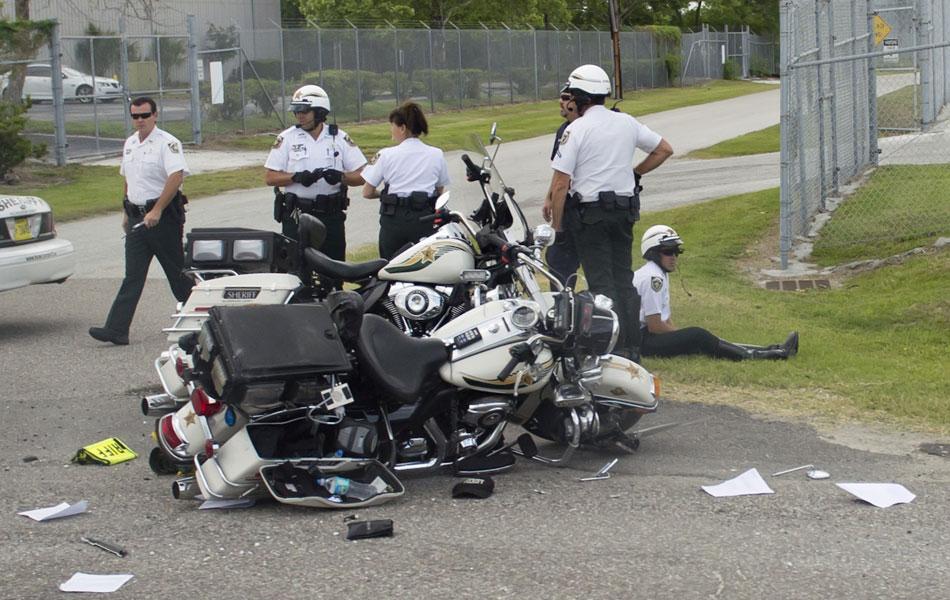 Policiais que acompanhavam de moto a comitiva de Barack Obama em Tampa, na Flórida, se acidentaram durante o trajeto. Eles faziam a segurança do presidente americano, que ainda nesta sexta (13) viaja para participar da Cúpula das Américas na Colômbia.