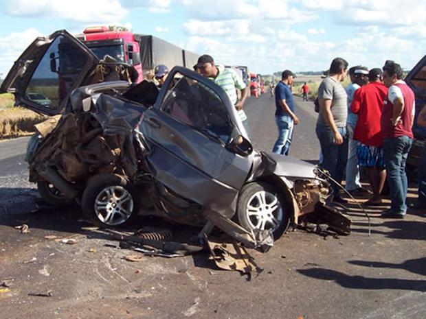 acidente micro salvador (Foto: Blog do Sigi Vilares/Divulgação)