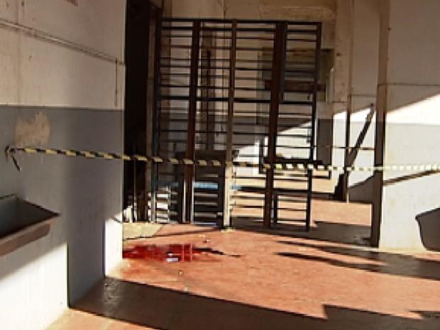Funcionário disparou três tiros no companheiro de trabalho por causa da dívida (Foto: Reprodução / TV Tem)