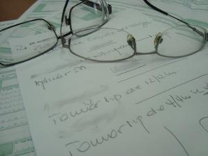 Pessoas chegam a esperar por mais de dois anos por uma consulta com o oftalmologista (Foto: Adriane Souza/G1)