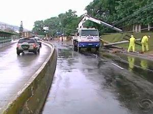 trânsito (Foto: Reprodução, RBS TV)