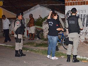 Polícia registra duplo homicídio na noite de sábado em João Pessoa (Foto: Walter Paparazzo/G1 PB)