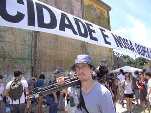 Camilo Soares vê descaso com espaços públicos (Foto: Luna Markman/G1)