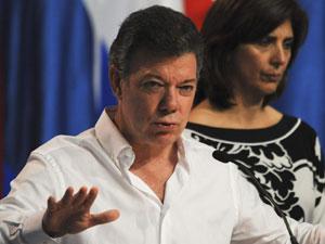 O presidente da Colômbia, Juan Manuel Santos, durante entrevista ao final da cúpula (Foto: AFP)