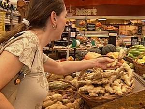 Na hora de escolher, casca lisa é importante (Foto: Reprodução / TV Tem)