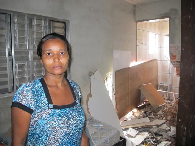Casa destruída (Foto: Juliana Cardilli/G1)