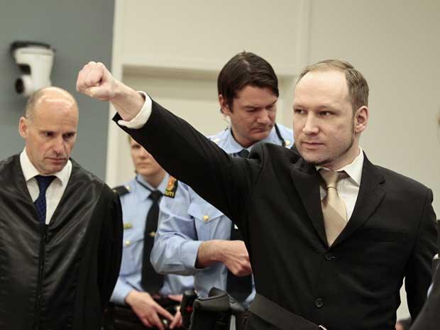 Anders Behring Breivik chega ao tribunal em Oslo, Noruega. (Foto: Hakon Mosvold Larsen / Pool / AP Photo)