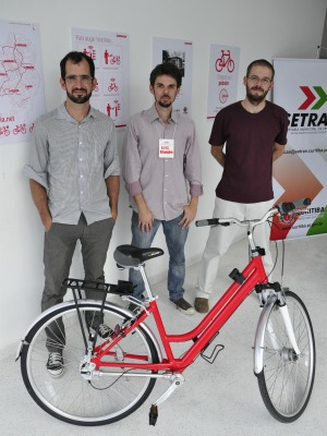 Idealizadores do Bicicletaria.net (Foto: Danilo Herek)