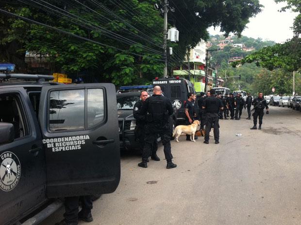 Operação em Niterói reuniu 50 homens da Core (Foto: Janaína Carvalho/G1)