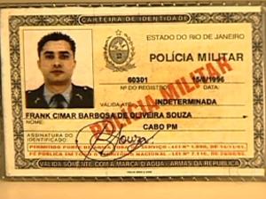 Policial militar Frank Cimar Barbosa de Oliveira Souza é suspeito de estupro (Foto: Reprodução/TV Globo)