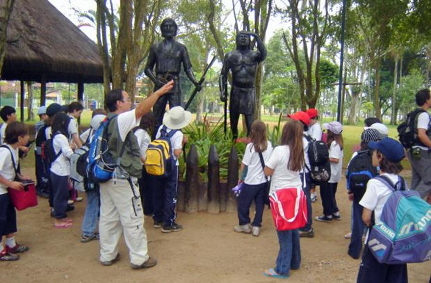 O Colégio Santa Maria organiza, todos os anos, visita ao Parque dos Tupiniquins, em Bertioga (Foto: Divulgação)