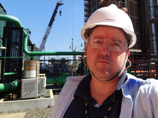 Eduardo Jorge fez curso de engenharia de condicionamento e hoje trabalha em usina da Petrobras em Canoas (RJ) (Foto: Arquivo pessoal)
