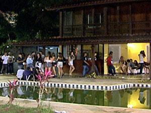 Festa rave na casa de Marta Love (Foto: Reprodução TV)