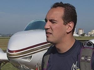 Guilherme conta que paraquedistas são preparados para situações assim. (Foto: reprodução/TV Tem)